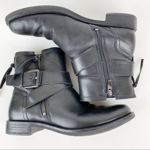 Ecco Black Ankle Leather Boots Size 9 w/ Buckle